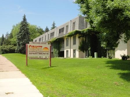 Apartamentos sin Amueblar por un Alquiler en 2701 Xylon Ave N Golden Valley, Minnesota 55427 Estados Unidos